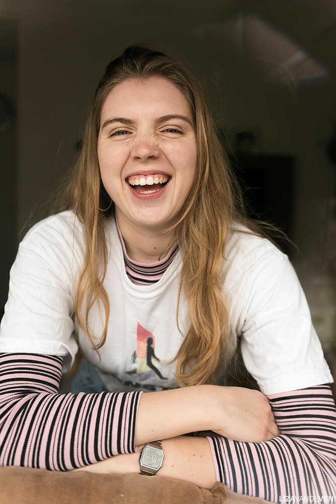 Lachend Raamportret Rosan