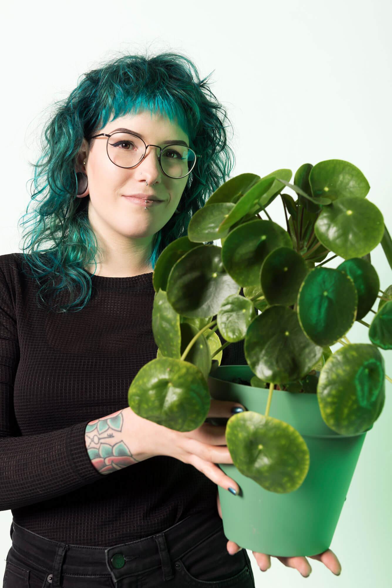 Portret van Pleun met de pannekoekplant