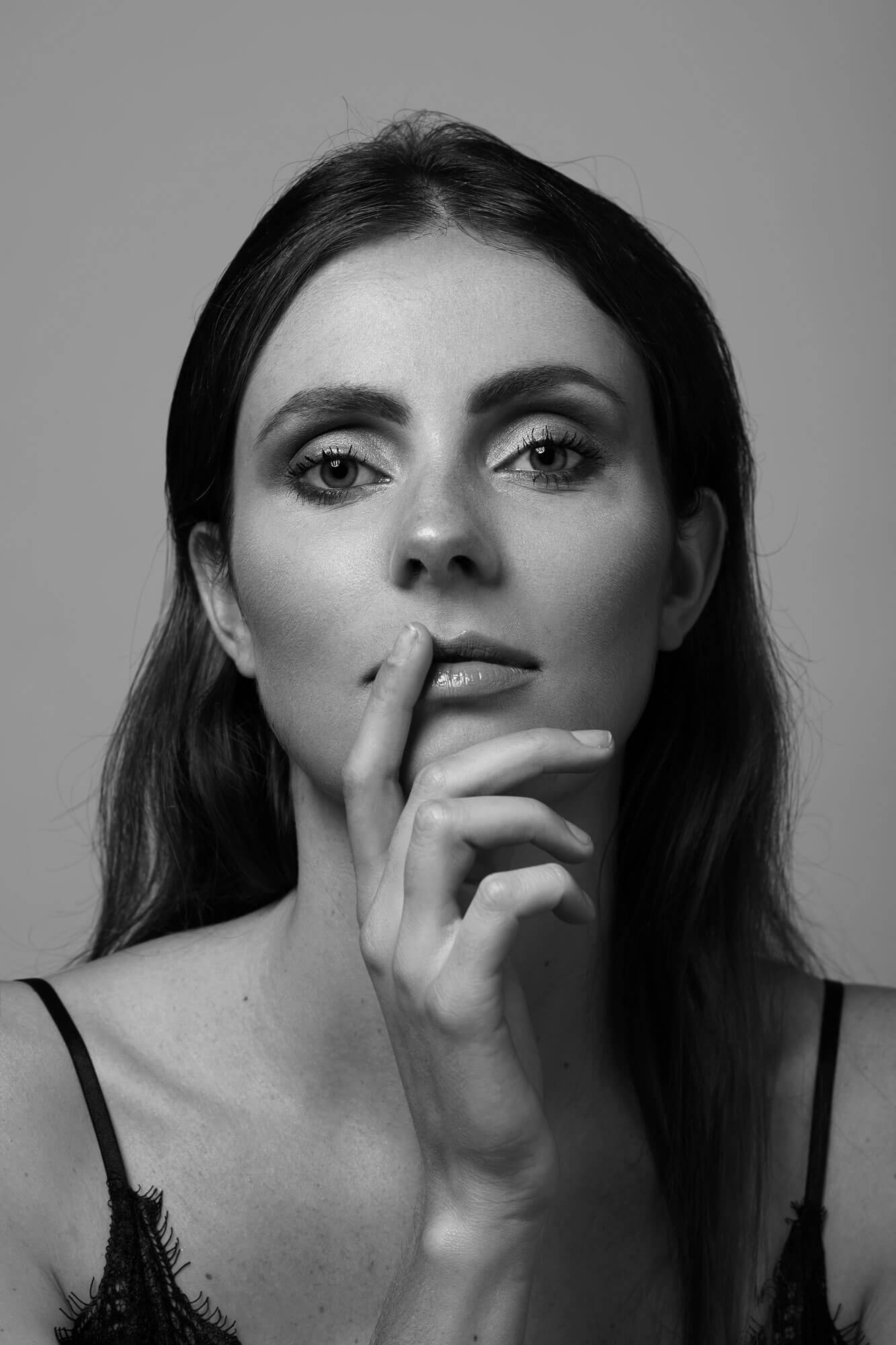 Jasmijn zwart wit portret.